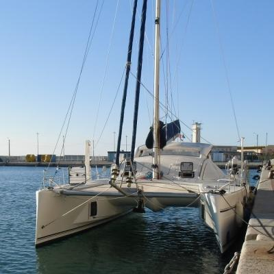 Catana 431 in Sète harbour