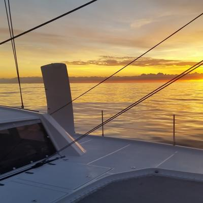 Fantastique sunset à bord du Catana 53