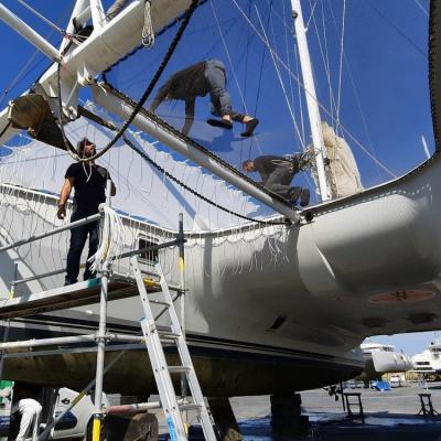 New trampoline for the Catana 59 Lazy Jack