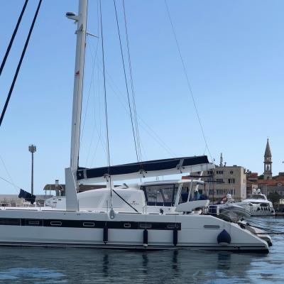 Catana 65 au port de Bar - Montenegro