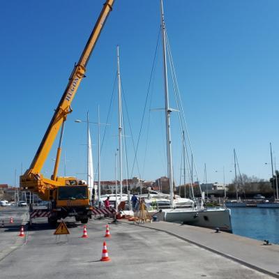Unstepping mast Catana 50