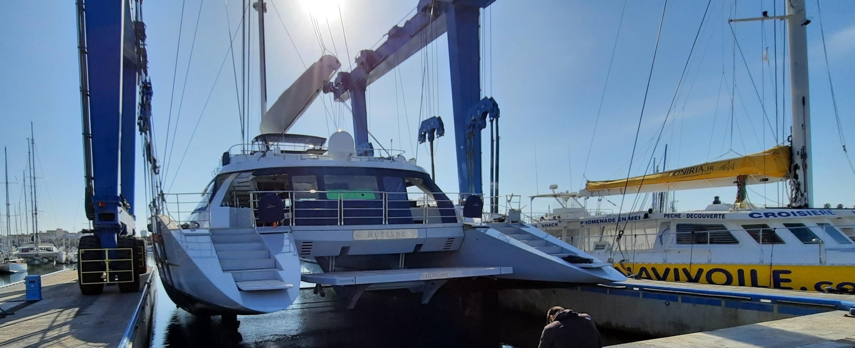 Haul out Catamaran Hutiane