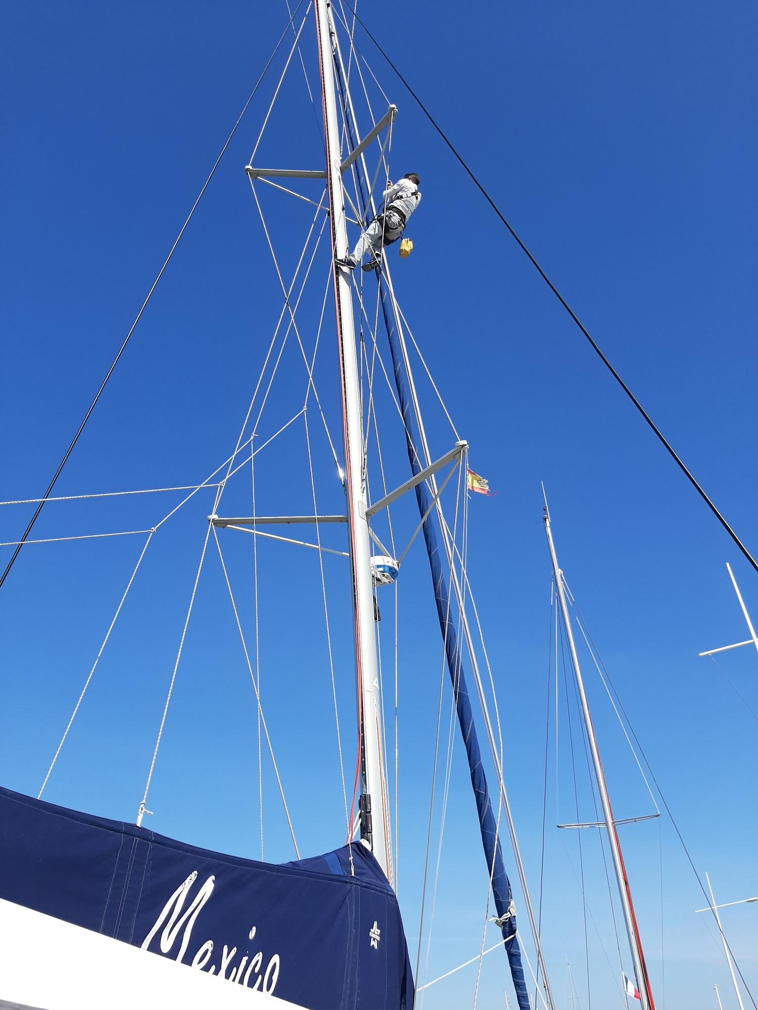 Mast Catana 471