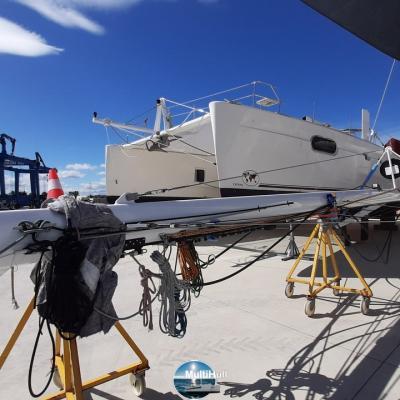 New mast for the Catana 471 Indigo