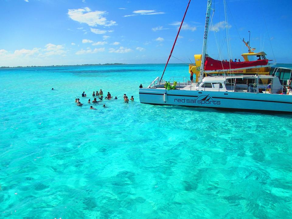 Snorkeling in cayman-islands