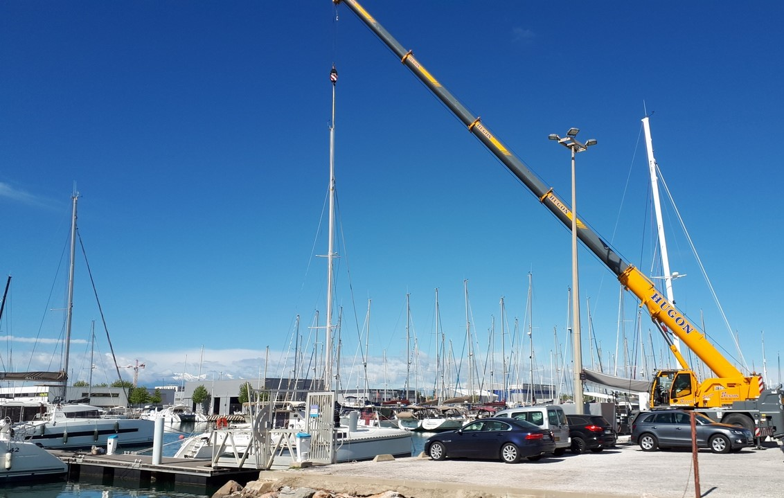 Stepping Mast Catana 39