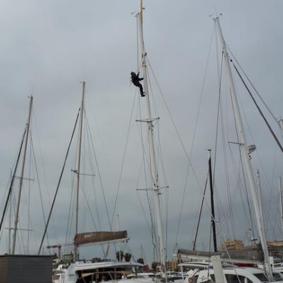 Unstepping mast Catana 39