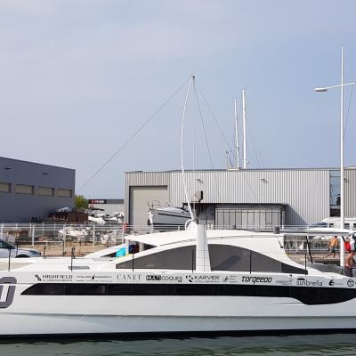 V yacht catamaran in preparation