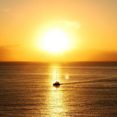 Naviguer au lever du soleil
