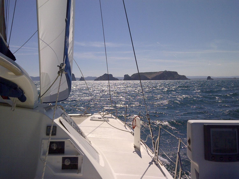 Catana 431 under sails