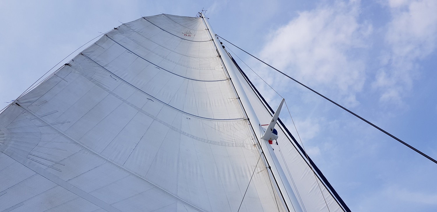 Catana 65 host the sails