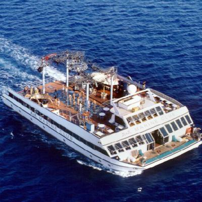 Club catamaran 37m