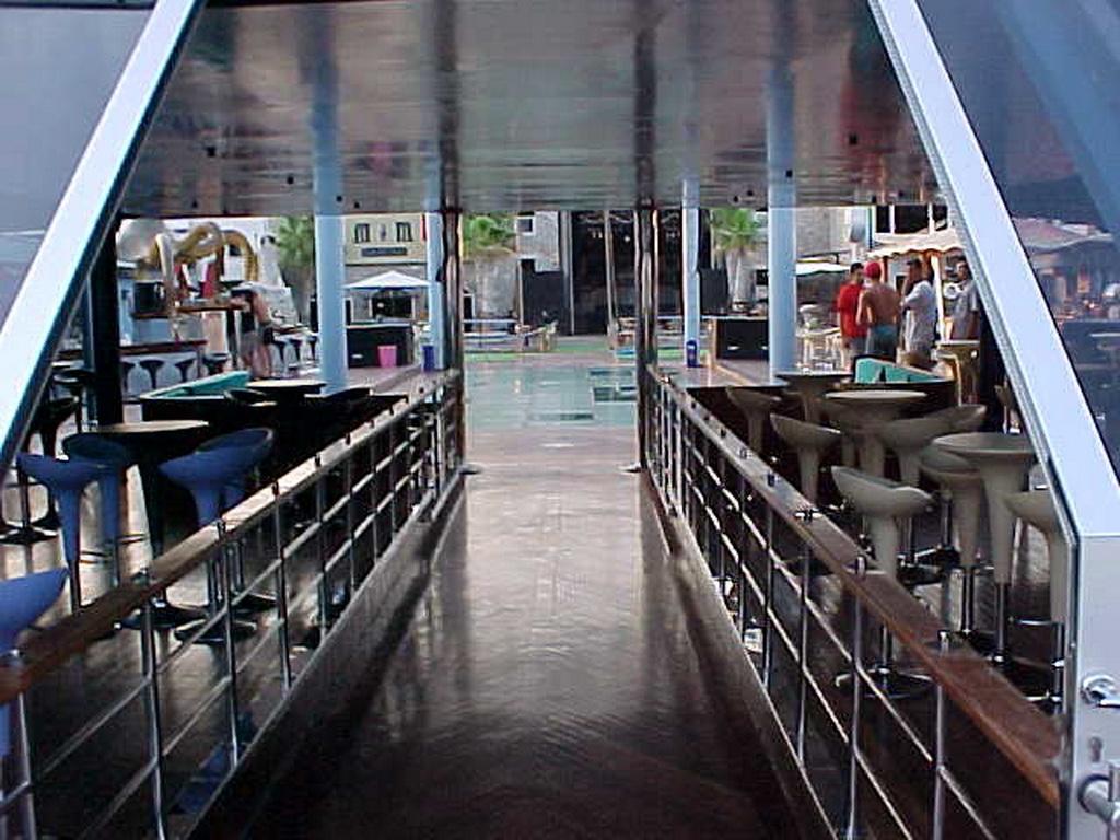 Club catamaran 37m 5
