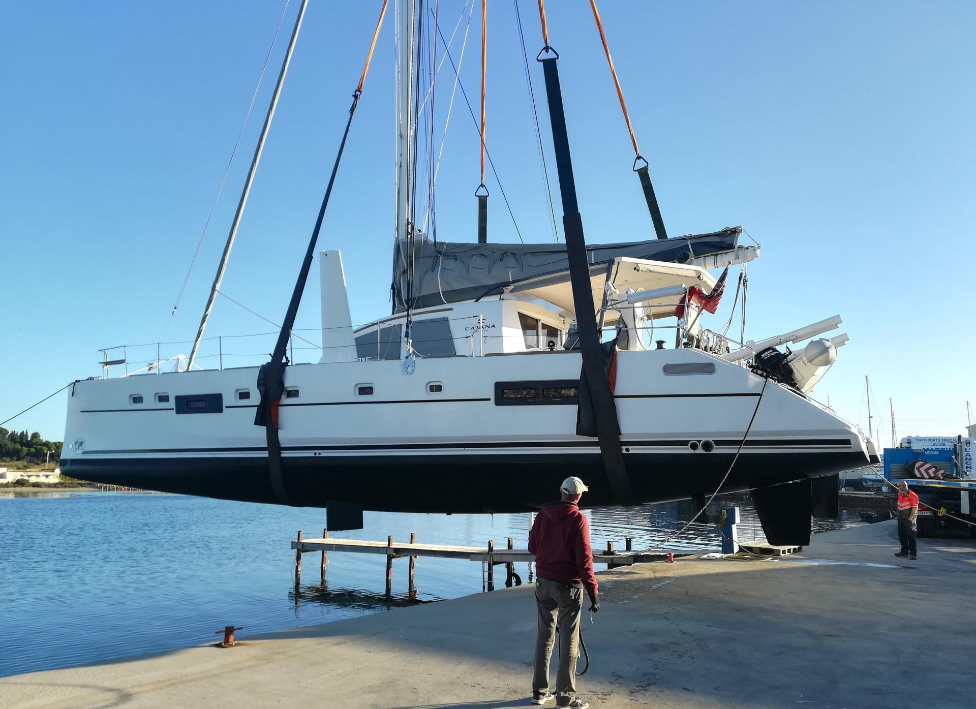 Haul out catana 50