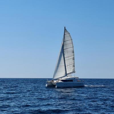 Lagoon 42 under sails