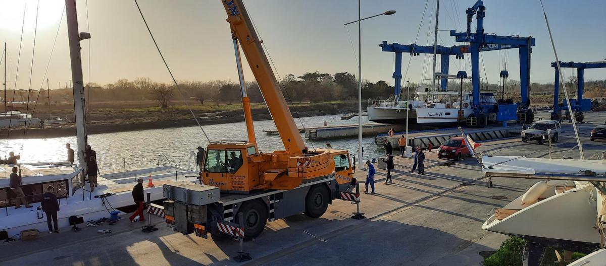 Launching ninah ii stepping mast