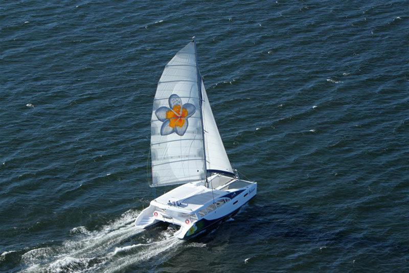 Mirage 760 day sailor 33