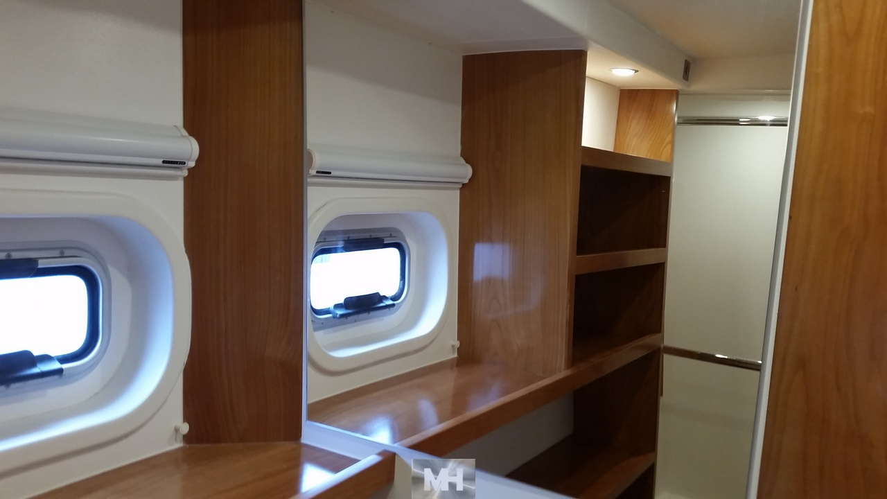 Owners hull catana 65 8