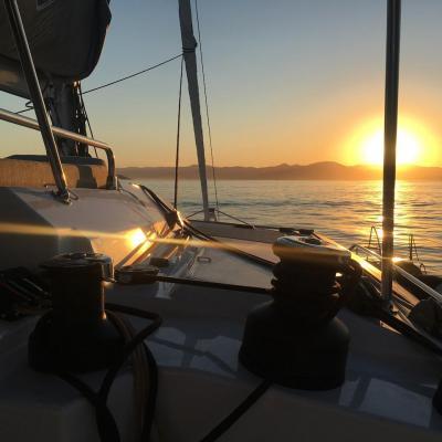 Magnifique coucher de soleil à bord d'un Saba 50