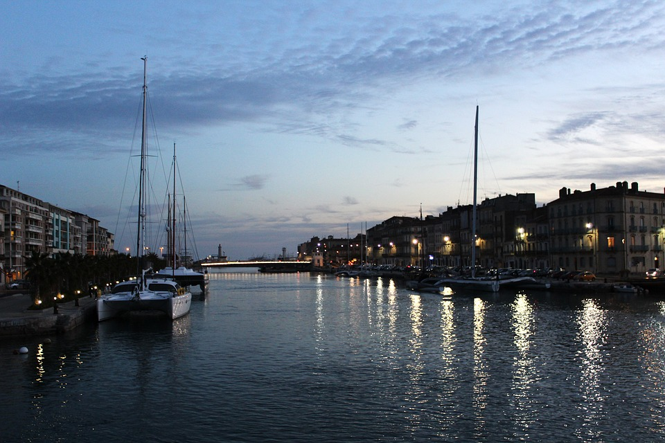 Sete by night