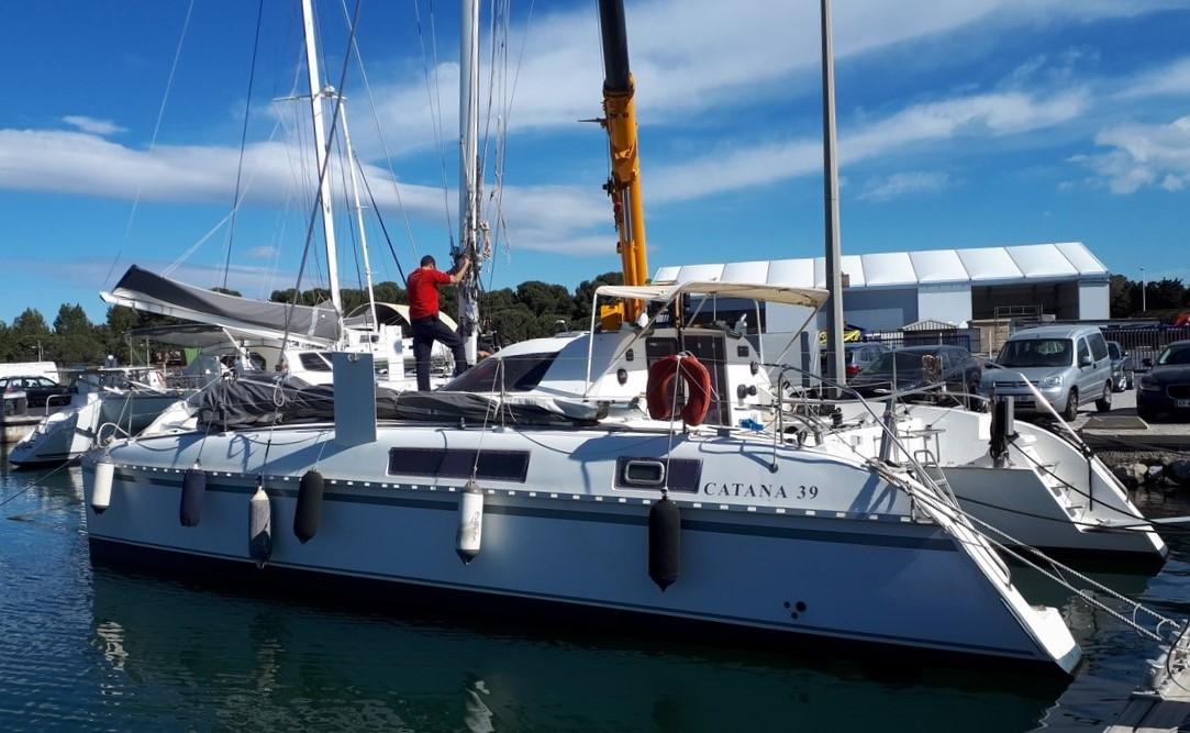 Stepping mast catana 39
